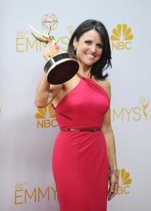 Gagnante de l'Emmy award de la meilleure actrice dans une série comique. Julia Louis-Dreyfus.