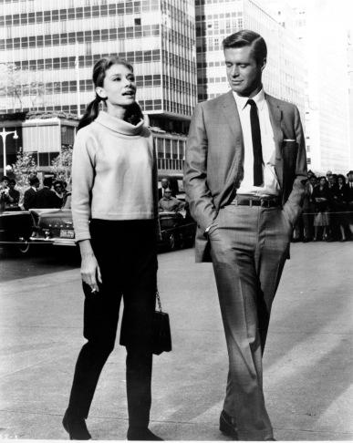 Audrey Hepburn et George Peppard sur le tournage de Diamants sur Canapé (1961).